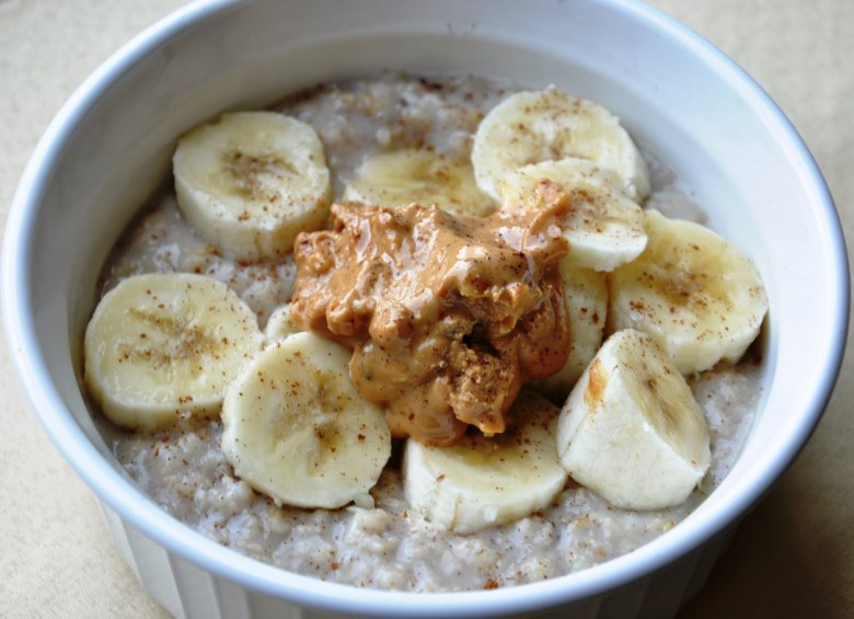 peanut-butter-banana-oatmeal